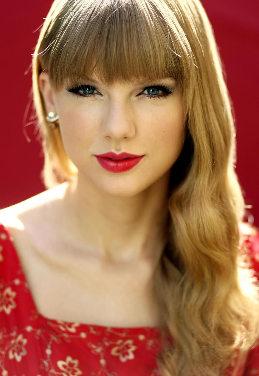 Taylor Swift writes an op-ed revealing her take on the music industry (Photo: courtesy of searchednews.com)