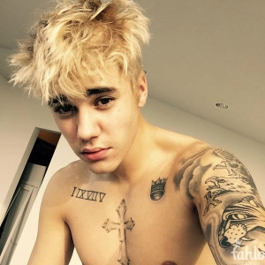 Justin Bieber posted this photo to his Fahlo account once he bleached his hair.